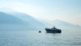 Sikt av sjön Como med fartyget Royaltyfri Fotografi
