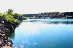 Sikt av sjön i Ukraina i Lugansk royaltyfri fotografi