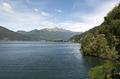 Sikt av sjön i Varese Fotografering för Bildbyråer