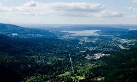 Sikt av sjön Sammamish och Issaquah från bajsbajspunkt Royaltyfri Bild