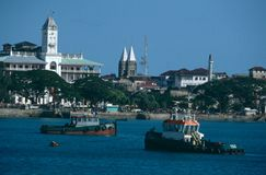Sikt av sjösidan av stenstaden, Zanzibar Fotografering för Bildbyråer