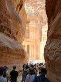 Sikt av skatten i Petra, Jordanien royaltyfria bilder