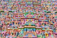 Sikt av skulpturer på torn på sarangapanitemplet, Tamilnadu, Indien - December 17, 2016 Royaltyfri Foto