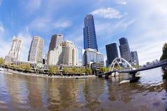 Sikt av Southbank område i Melbourne CBD Arkivbilder