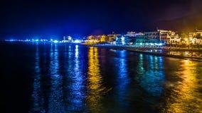 Sikt av Sperlonga vid natten, Italien Arkivfoto