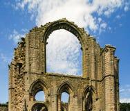 Sikt av springbrunnar abbotskloster, England Arkivfoton