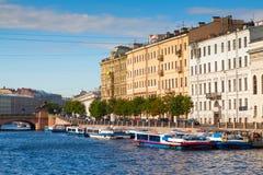 Sikt av St Petersburg. Fontanka Arkivfoton