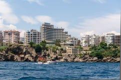 Sikt av staden Antalya Arkivfoto