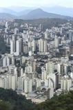 Sikt av staden av Juiz de för a, Minas Gerais, Brasilien Fotografering för Bildbyråer