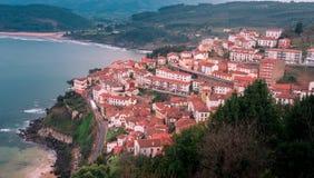 Sikt av staden av Lastres, Asturias spain Royaltyfri Foto