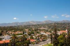 Sikt av staden av Santa Barbara, Kalifornien, USA Arkivbilder