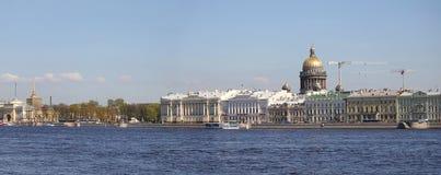 Sikt av staden av St Petersburg, Ryssland Fotografering för Bildbyråer