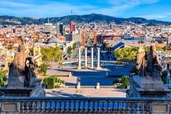 Sikt av staden Barcelona, Spanien i en sommardag Fotografering för Bildbyråer