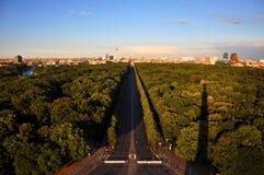 Sikt av staden Berlin från monumentet Royaltyfri Foto