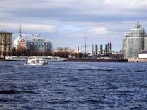 Sikt av staden från floden fotografering för bildbyråer