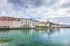 Sikt av staden Lucerne från sjösidan europeiskt gammalt för stad Royaltyfria Foton