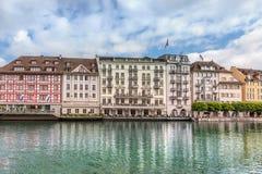 Sikt av staden Lucerne från sjösidan europeiskt gammalt för stad Royaltyfri Fotografi