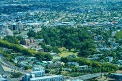 Sikt av staden av Queenstown och närgränsande territorier landscapes New Zealand arkivbild