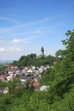 Sikt av Stramberk med det Truba tornet, Tjeckien Royaltyfri Fotografi