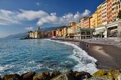 Sikt av stranden i Camogli Italien Royaltyfri Fotografi