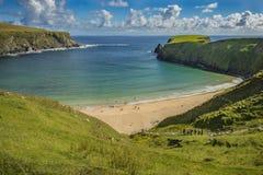 Sikt av stranden på Malin Beg, Co Donegal royaltyfri fotografi