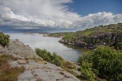 Sikt av svenskkusten Arkivfoton