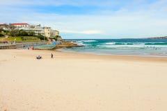 Sikt av Sydney Harbor och stranden Arkivfoton