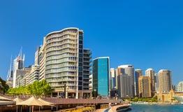 Sikt av Sydney på den runda kajen australasian Royaltyfri Bild