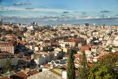 Sikt av tak av Lissabon Royaltyfri Bild
