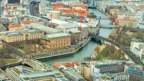 Sikt av taken av storstaden arkivbilder