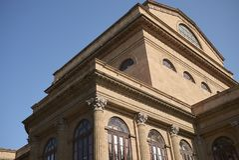 Sikt av Teatro Massimo fotografering för bildbyråer