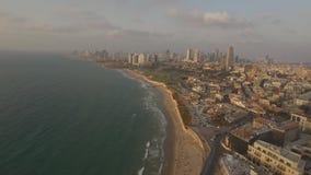Sikt av Tel Aviv den offentliga stranden på medelhavet israel lager videofilmer