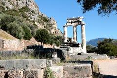 sikt av templet av Athena Pronea Delphi Greece Royaltyfri Bild