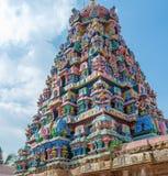 Sikt av tornet på den Ramaswamy templet, Kumbakonam, Tamilnadu, Indien - December 17, 2016 Arkivfoton