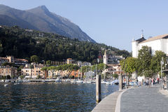Sikt av Toscolano Maderno, Lago di Garda Italien Arkivfoto