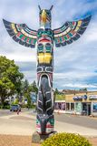 Sikt av totem i Duncan - Kanada arkivbilder