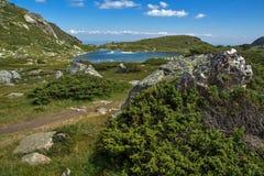Sikt av Trefoil sjön, Rila berg, de sju Rila sjöarna, Bulgarien Royaltyfria Bilder