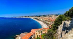 Sikt av trevlig cityscape p? den gamla staden Vieille Ville i Nice franska Riviera p? medelhavet, skjul d' Azur Frankrike arkivfoto