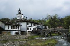 Sikt av Tryavna, Bulgarien, Europa Arkivfoton