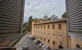 Sikt av Vaticanenmuseumbyggande royaltyfri fotografi