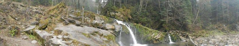 Sikt av vattenfallet Arkivfoto
