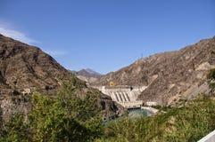 Sikt av vattenkraftväxten i Kirgizistan Royaltyfria Bilder