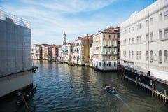 Sikt av Venedig från den Rialto bron Royaltyfri Foto