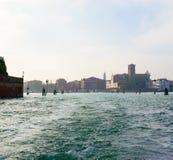Sikt av Venedig från kanalen Royaltyfri Fotografi