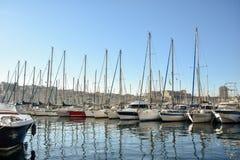 Sikt av Vieux port, Marseille, Frankrike Arkivbilder