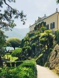 Sikt av Villa del Balbianello, sjö Como Arkivfoto