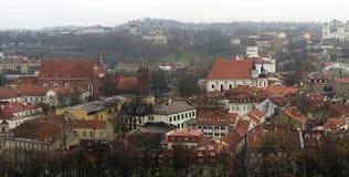 Sikt av Vilnius från över Arkivfoton