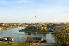 Sikt av Vistulaet River i det historiska centret Royaltyfria Bilder
