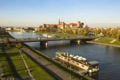 Sikt av Vistulaet River i det historiska centret Arkivbild