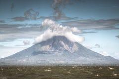 Sikt av vulkan Concepcion på den Ometepe ön i sjön Nicaragua i Nicaragua Royaltyfri Fotografi